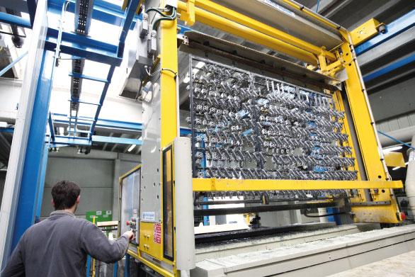 Chaîne automatique attache 11 postes de zinc - 5 robots